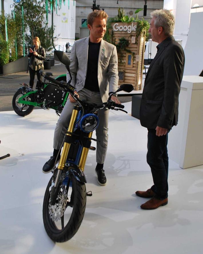 eROCKIT beim Greentech Festival: Nico Rosberg und Andreas Scheuer bestaunen Elektromotorrad
