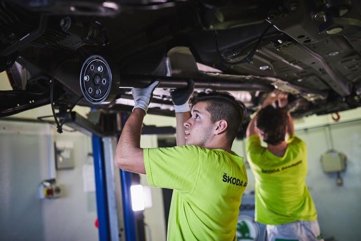 SKODA AUTO Berufsschule bietet erstklassige Ausbildungsprogramme für junge Nachwuchskräfte