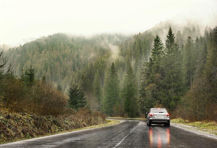 EXPERTENTIPP: Vorsicht, Rutschgefahr! Jetzt das Auto auf den Winter vorbereiten