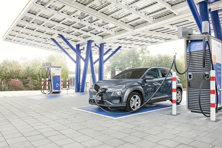 EnBW kurbelt E-Mobilitätsinitiative im Unternehmen an Dienstwagenflotte wird komplett auf Elektro- und Hybrid-Modelle umgestellt – Mitarbeiter*innen leasen 560 E-Autos zu attraktiven Konditionen