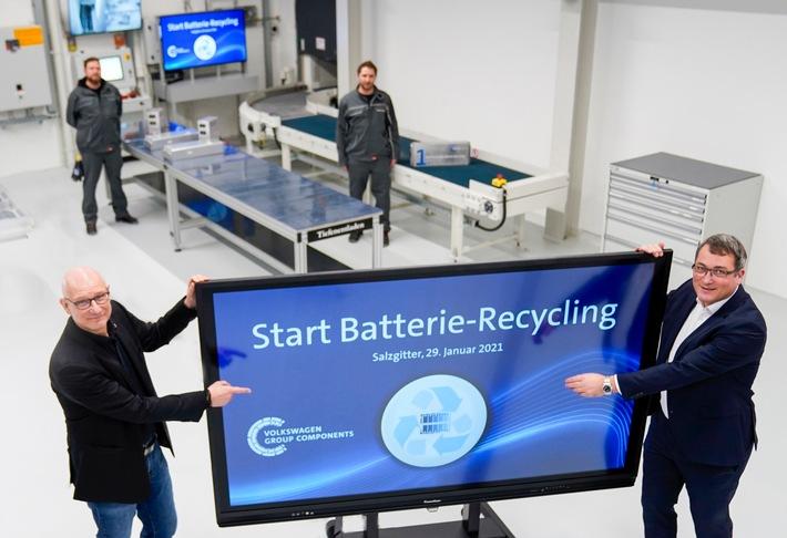 Aus alt mach neu: Volkswagen Group Components startet Batterie-Recycling