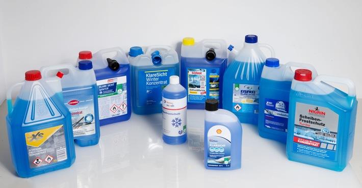 Winterscheibenreiniger im KÜS-Härtetest Zehn Konzentrate im Praxisvergleich – Nur wenige Produkte sorgen für klare Sicht