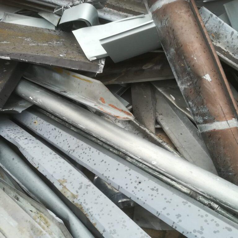 Altmetall abholen in Leverkusen – Bei uns können Sie ihre Altwaren, wie Metallschrott und Metallabfälle sowie Eisen zu unserem Betriebshof bringen