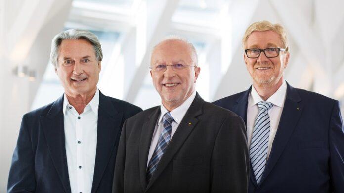 image 1 181 696x391 - Dr. August Markl und Hermann Tomczyk werden ADAC Ehrenpräsidenten Ehemalige Präsidiumsmitglieder für langjährige Verdienste geehrt