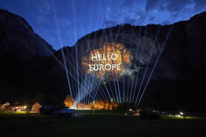 image 1 206 696x464 - Die Luxusautomarke Genesis setzt neue Maßstäbe für die Automobilbranche: Die bisher größte 3-D-Projektion in den Schweizer Alpen markiert die Ankunft der neuen Automarke in Europa