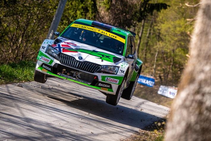 Rallye Italien Sardinien: ŠKODA Teams kämpfen um den Sieg in den Kategorien WRC2 und WRC3