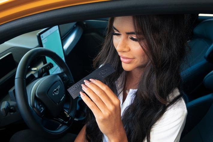 Ford entwickelt Parfüm – Benzin-Fans kommen mit dem vollelektrischen Ford Mustang Mach-E GT nicht zu kurz