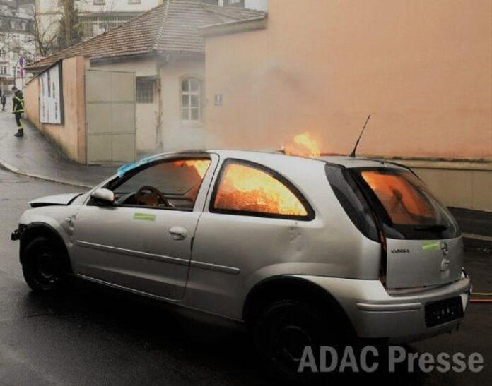 image 1 131 696x547 - Unfall im Ausland: So schützen sich Autofahrer vor Ärger / Auslandsschadenschutz bietet ein Plus an Sicherheit und Unterstützung