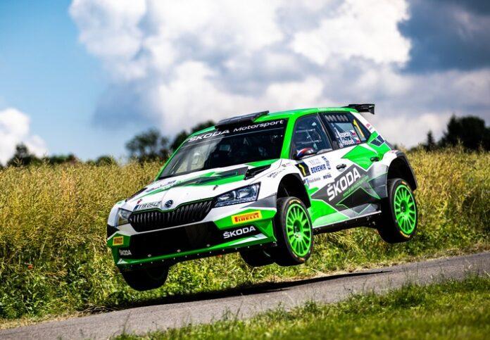 image 1 77 696x483 - Jan Kopecký feiert mit Sieg bei der Bohemia Rallye 120-jähriges Jubiläum von ŠKODA im Motorsport
