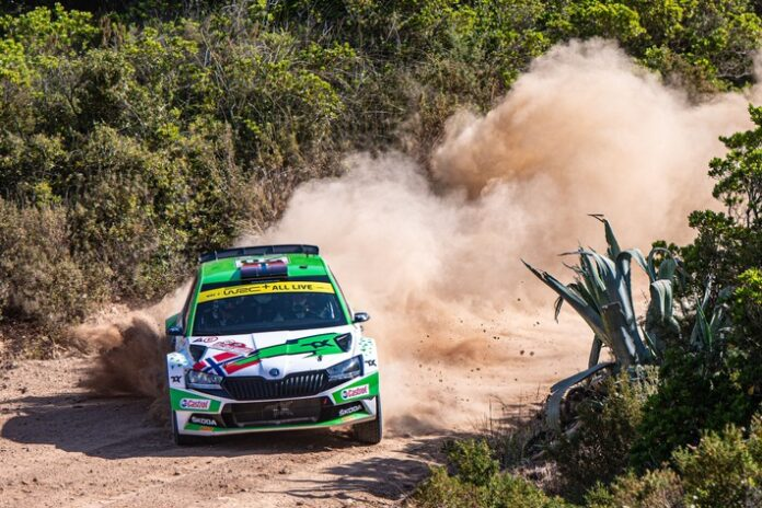 image 1 86 696x464 - Rallye Estland: ŠKODA Fahrer Andreas Mikkelsen will Tabellenführung in WRC2-Kategorie festigen