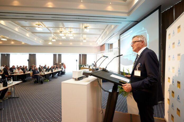 image 1 87 696x464 - ADAC/TÜV Rheinland TruckSymposium & FIA ETRC-Innovation-Talk: Nachhaltige Technologien im Transport- & Nutzfahrzeugsektor / Hochrangiges Expertenforum am 16. Juli (11:30 Uhr)