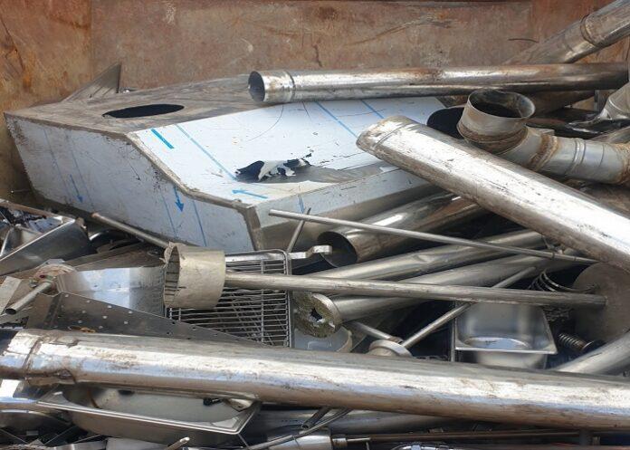 image 1 74 696x497 - Wir holen Metalle inklusive Abholung auf Wunsch auch Demontage durch Schrotthändler Wesel