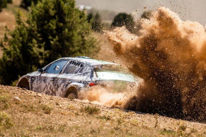 image 1 88 696x464 - Entwicklung der Rally2-Version des neuen ŠKODA FABIA nimmt Fahrt auf
