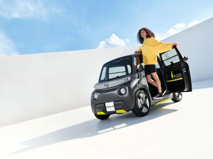 image 1 98 696x522 - Premiere für den Opel Rocks-e: Neuer City-Stromer für eine neue Zeit