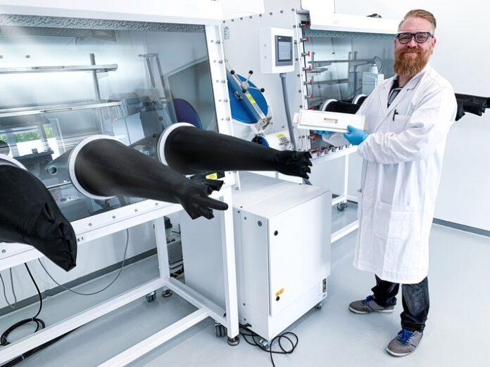 image 1 199 696x522 - Blackstone Resources AG eröffnet eines der modernsten Entwicklungslabore für die Batterietechnik