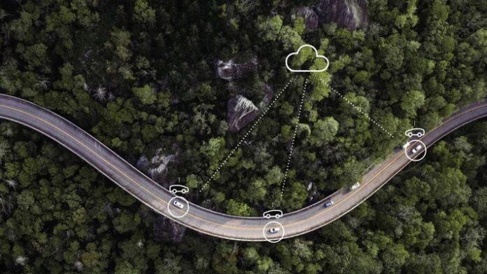 image 1 3 696x391 - Im Vorfeld der IAA veröffentlicht Ericsson Studie zu Anwendungsfällen und Umsatzchancen von vernetzten Fahrzeugen